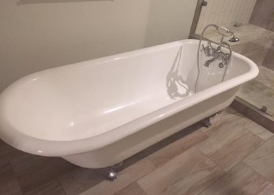 Denise Ennett AFTER Clawfoot Tub Refinishing
