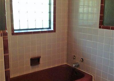 Tub Refinishing Arkansas Maroon Bath Before
